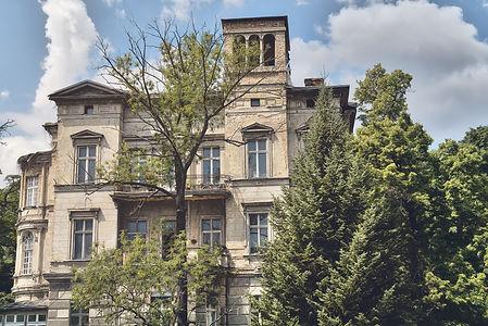 bigstock-Old-Grungy-Villa-Found-In-Berl-