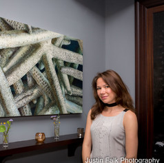 Jessie Peterson Tarazi with her painting