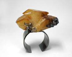 Double point calcite ring