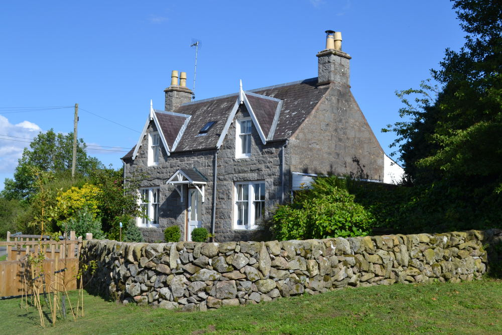Loch View Holiday Cottage