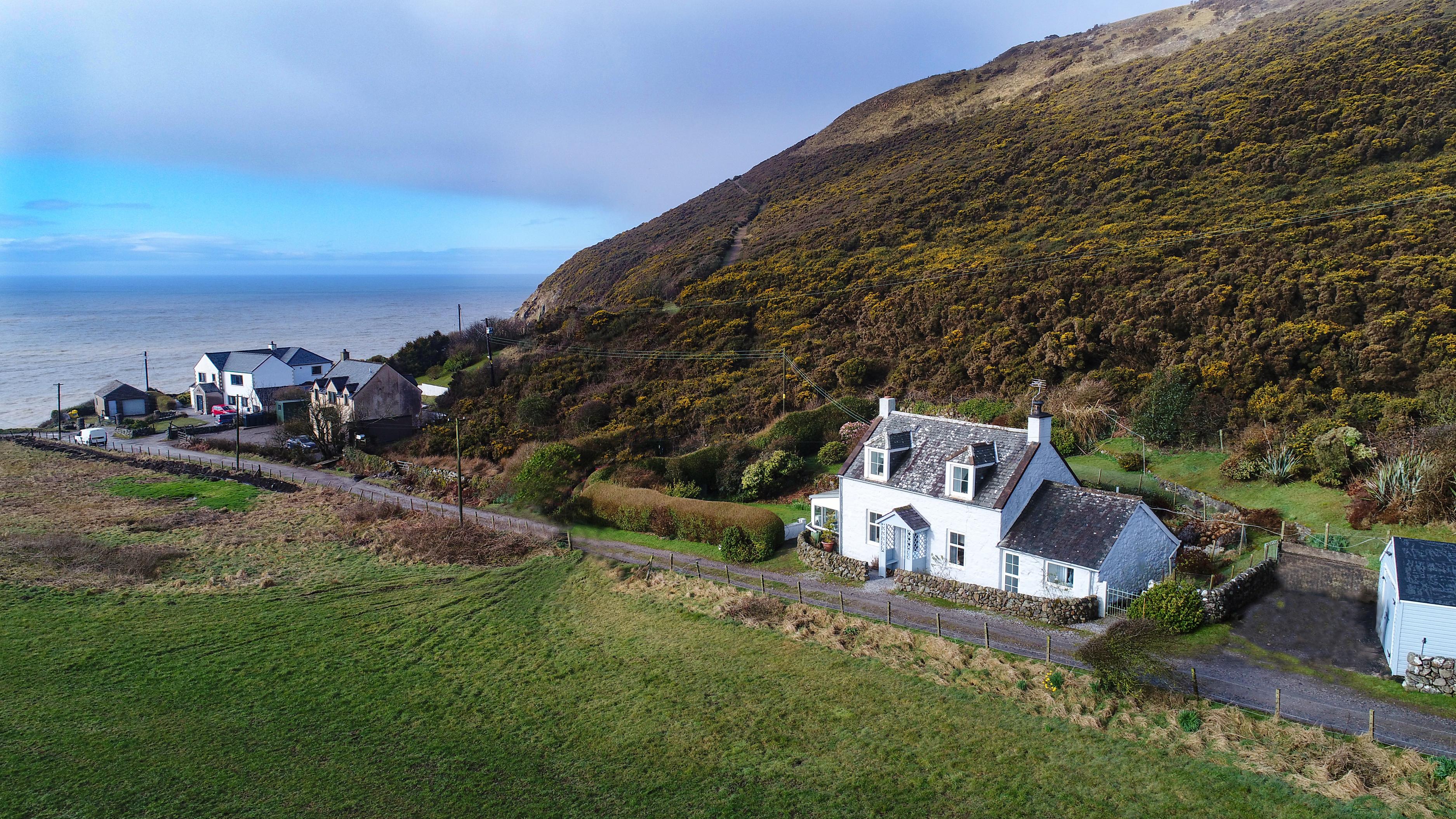 Luxury coastal holiday cottage
