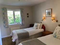 Cosy twin bedroom. Rockcliffe