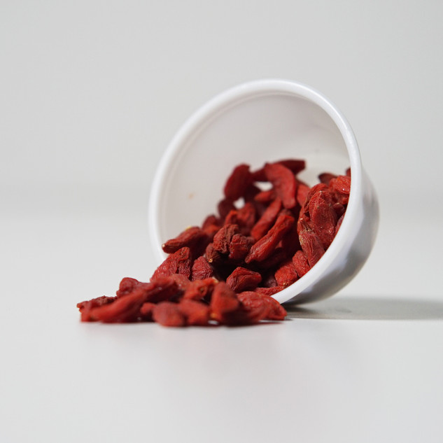 Dried Goji Berries * Contain key phytonutrients known for their antioxidant and anti-inflammatory properties * Good source of manganese, vitamin c, fiber, vitamin e, and promotes urinary tract health