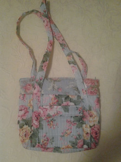 Pink Flowered Quilted Purse - Simple Sewing.jpg