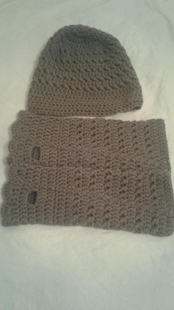 Mushroom (brown) Adult Fingerless Gloves & Hat - Simple Crochet