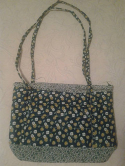 Green Pattern Quilted Purse - Simple Sewing.jpg