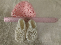 Hat & Bootie Infant Pink & White
