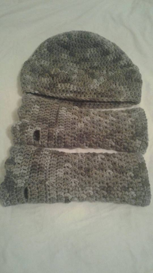 Gray Variegated Adult Fingerless Gloves & Hat - Simple Crochet