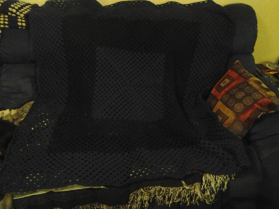 Large Dark Green & Black Blanket - Grann