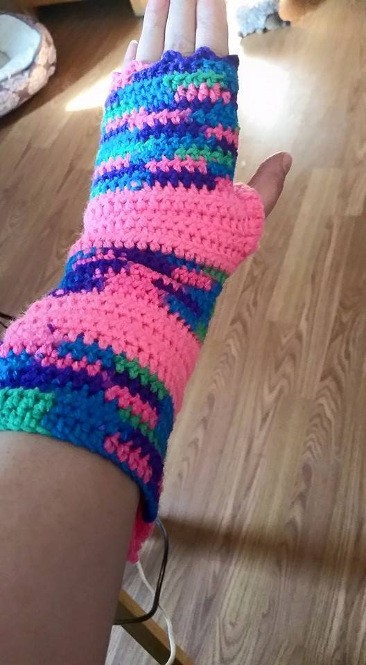 Long Pink Fingerless Gloves - Simple Crochet