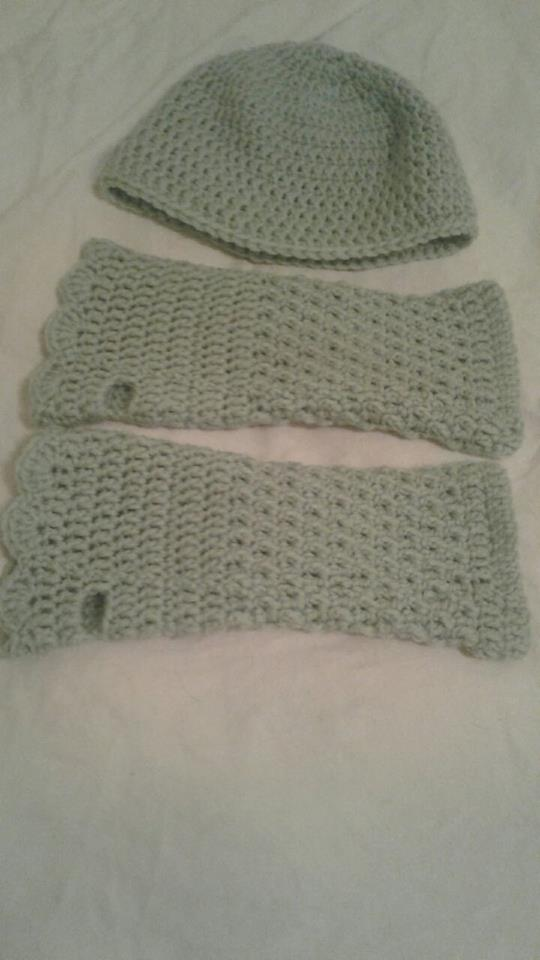 Seafoam Green Adult Fingerless Gloves & Hat - Simple Crochet