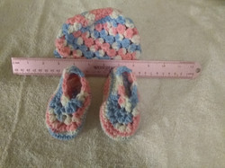 Hat & Bootie Infant Blue, Pink, & White.