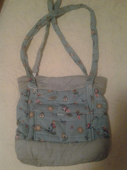Light Blue Quilted Handbag - Simple Sewing.jpg