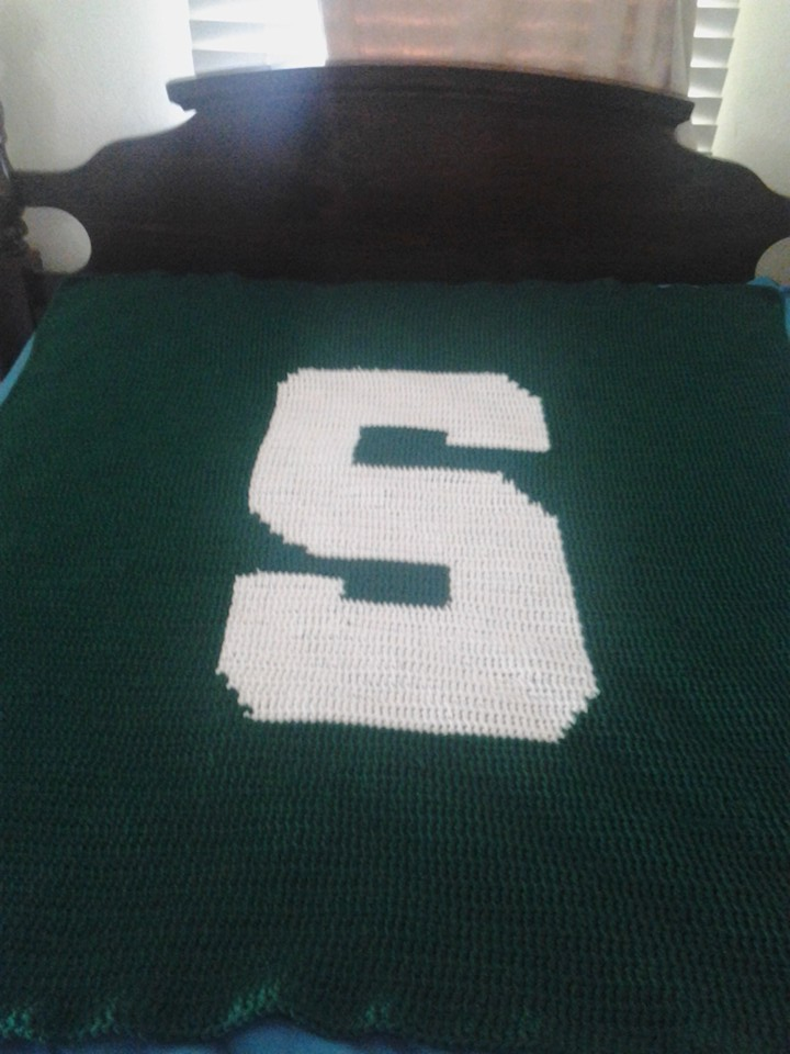 Medium Michigan State Blanket - Tunisian