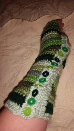 Long Green Fingerless Gloves (2) - Simple Crochet