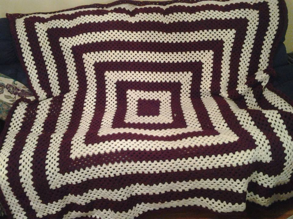 Large Red & White Blanket - Granny Squar