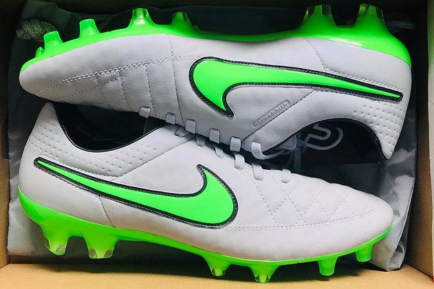 Nike Tiempo Legend V Wolf Grey / Green Strike FG