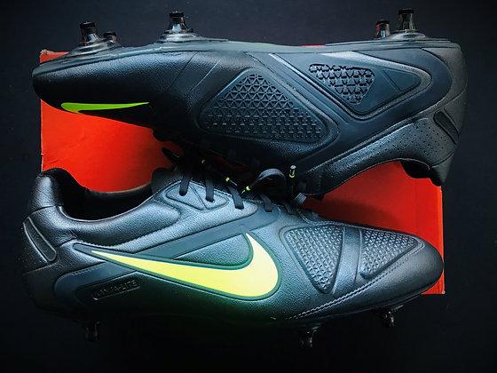 Nike CTR360 Maestri II - Dark Shadow / Volt SG