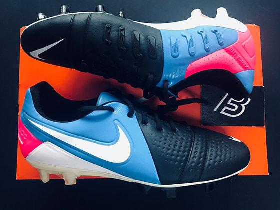 Nike CTR360 Maestri III ACC FG Black / White / Photo Blue / Pink