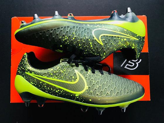 "Nike Magista Opus SG-Pro ""Electro Flare Pack"" Dark Citron / Volt"