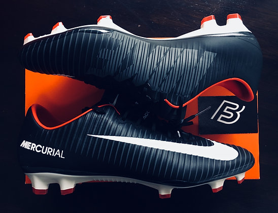 Nike Mercurial Vapor XI FG Pitch Dark - Black -UK Size 10.5
