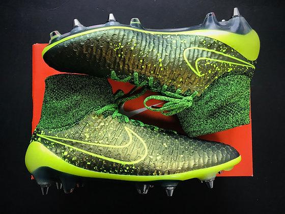 "Nike Magista Obra SG ""Electro Flare Pack"" Dark Citron / Volt SG Pro"