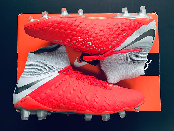 "Nike Hypervenom Phantom III DF ""Raised on Concrete"" Crimson / Grey Size 8.5 FG"