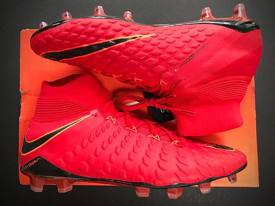 "Nike Hypervenom Phantom III DF ""Play Fire"" University Red / Black"