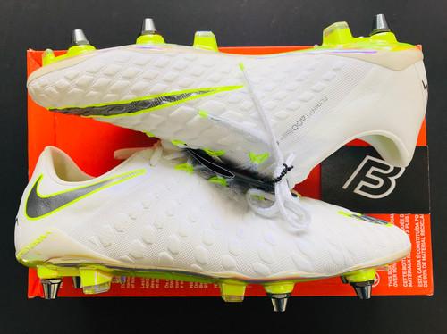 0ee4db540 Nike Hypervenom Phantom III Elite