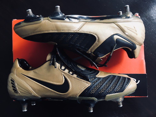 f7b7446281b3 NIKE TOTAL 90 T90 Laser II SG UK SIZE 8 – GOLD