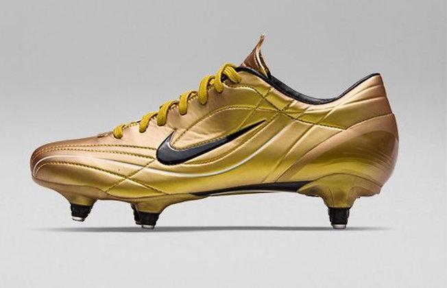 Nike Mercurial Vapor II R9 Gold Size UK 8.5 - FG
