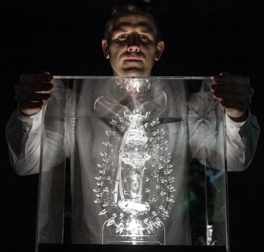Art Herald, Covid-19 art, Coronavirus art, Pandemic art, Médecins Sans Frontières, Luke Jerram