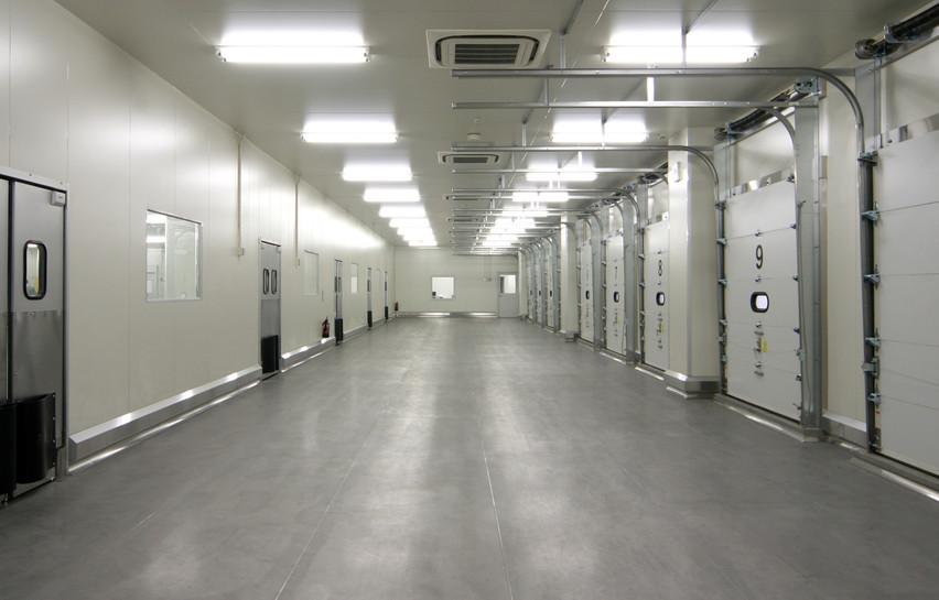 Insulated Overhead Shutter Door - IB Naikan
