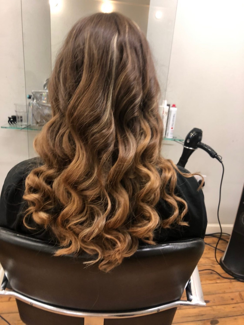 curls with wand