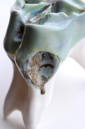 Slip-casted porcelain, oxidation, 2019.
