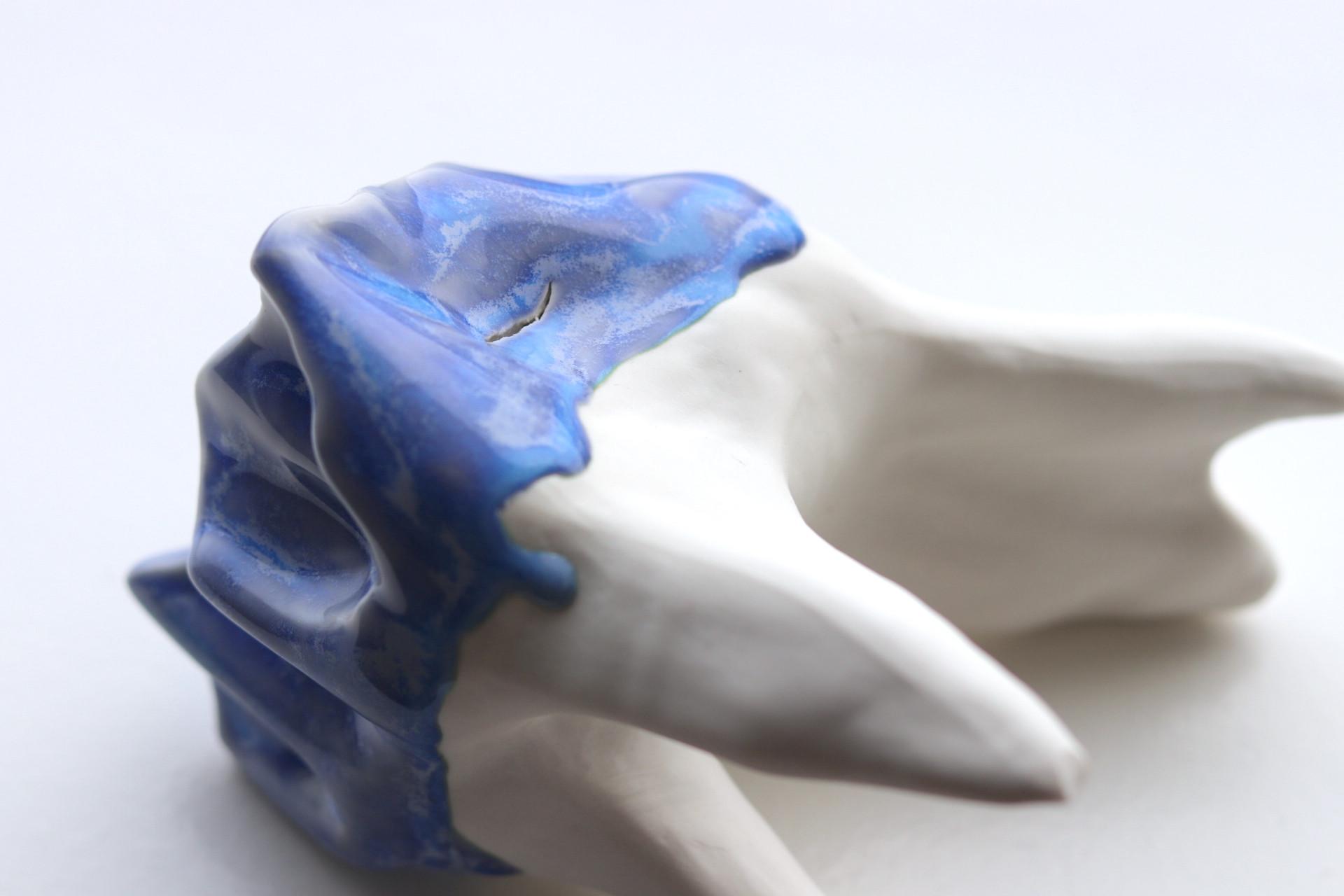 Slipcasted porcelain, oxidation, 2019.