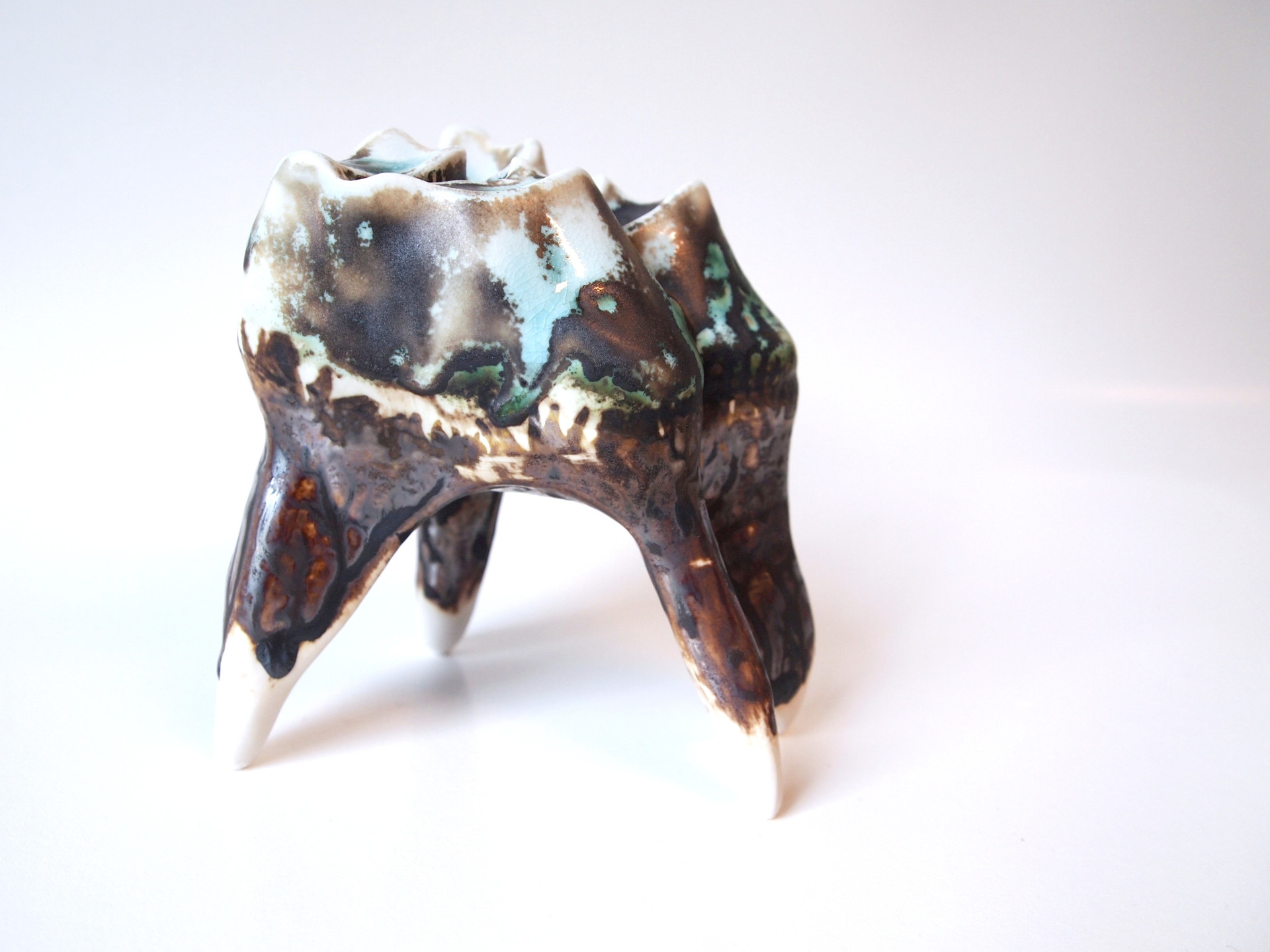 Slipcasted porcelain, oxidation, 2018.