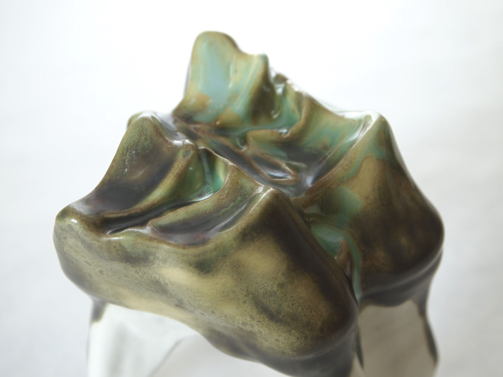 Slipcasted porcelain, oxidation, 2018.