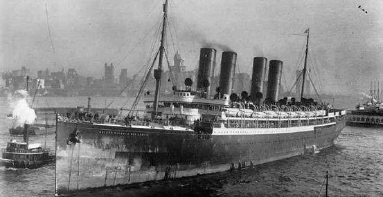 SS Kaiser Wilhelm der Grosse ocean liner in port,