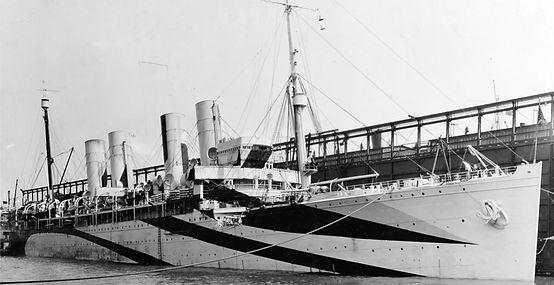RMS Queen Mary ocean liner steamship troop transport sydney WWII