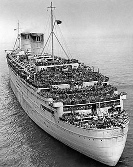 HMS Queen Elizabeth troopship ww2