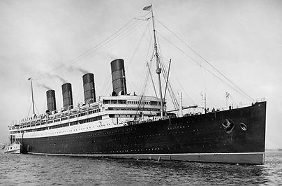 photograph RMS Aquitania