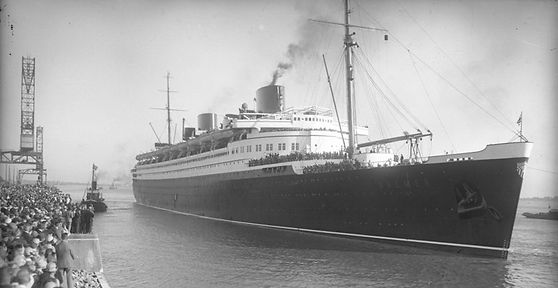 SS Bremen steam ship ocean liner in port
