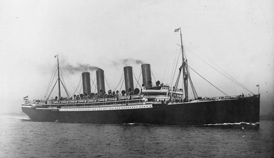 SS Kaiser Wilhelm der Grosse photograph of the ship leaving
