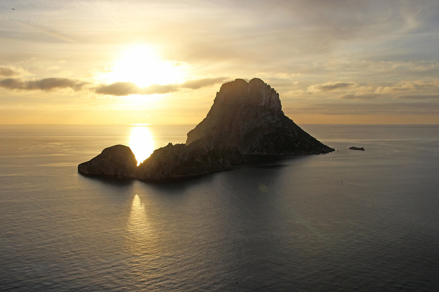 Ibiza-Felsen-Insel.jpg