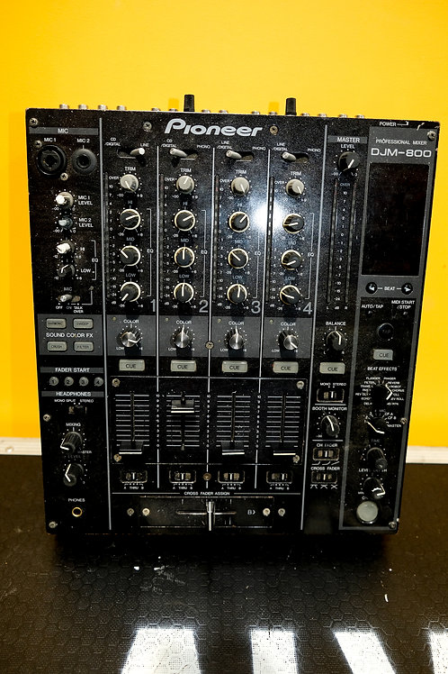 Pioneer DJM800 Mixer