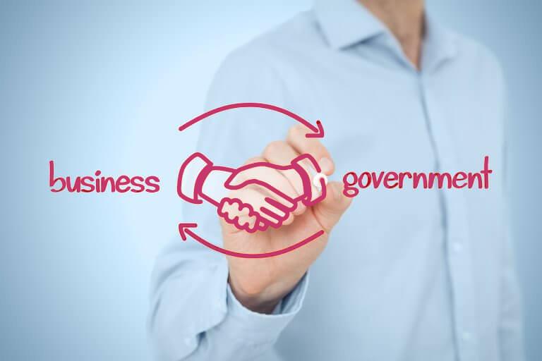 Как помочь бизнесу взаимодействовать с властью
