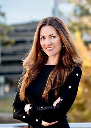 Sarah Flores Book Editor