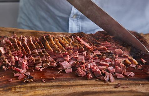 שף אלכס חותך בשר