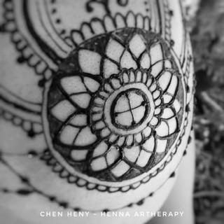 חן חינה - כתר חינה עם אלמנט של לוטוס ומעגל רפןאה אינדיאני 2017